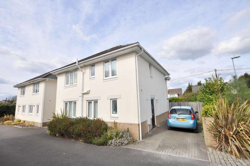 4 Bedrooms Detached House for sale in Victoria Mews, Ferndown