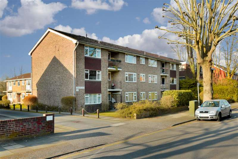 2 Bedrooms Property for sale in Lovelace Road, Surbiton