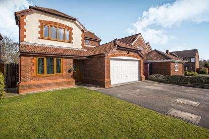 4 Bedrooms Detached House for sale in Valentines Meadow, Cottam, Preston, Lancashire, PR4
