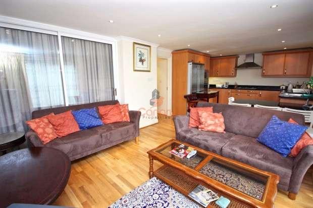 4 Bedrooms Semi Detached House for sale in Berkeley Road, Kingsbury, NW9