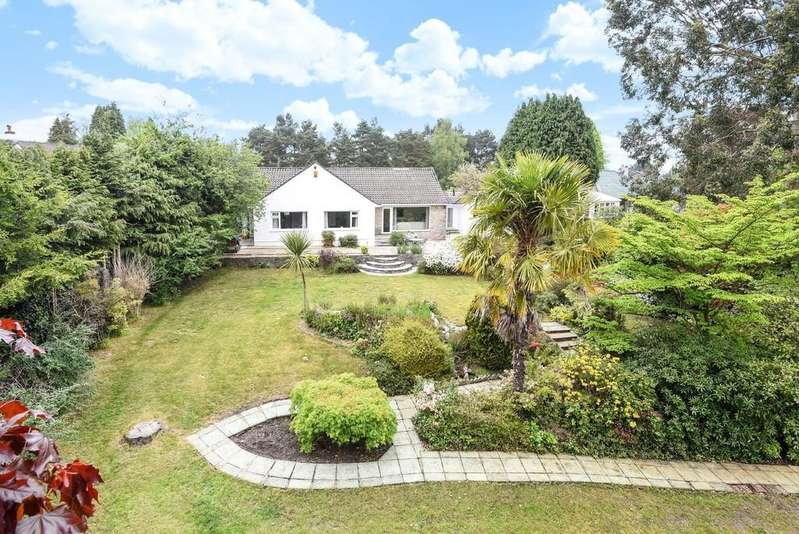 3 Bedrooms Detached Bungalow for sale in Lone Pine Drive, Ferndown