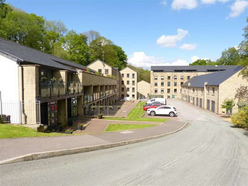 2 Bedrooms Apartment Flat for rent in Kinderlee Way, Chisworth, Chisworth Glossop