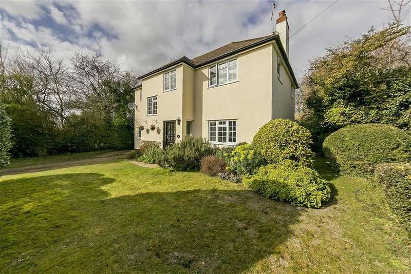 5 Bedrooms Detached House for sale in Beaconsfield Road, Langley Vale, Surrey