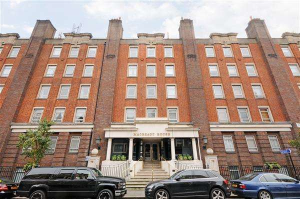 3 Bedrooms Flat for sale in MACREADY HOUSE, MAYFAIR, W1
