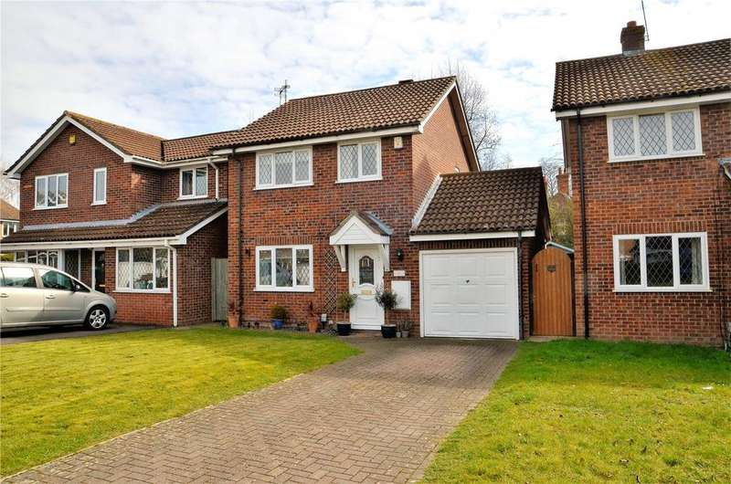 3 Bedrooms Detached House for sale in Blackwater Rise, Calcot, Reading, Berkshire, RG31
