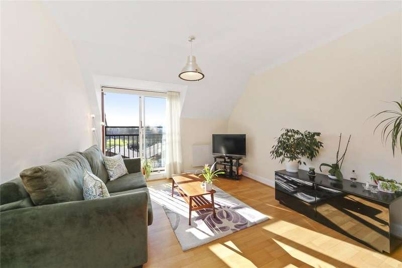 2 Bedrooms Flat for sale in Royal Victor Place, Old Ford Road, London, E3