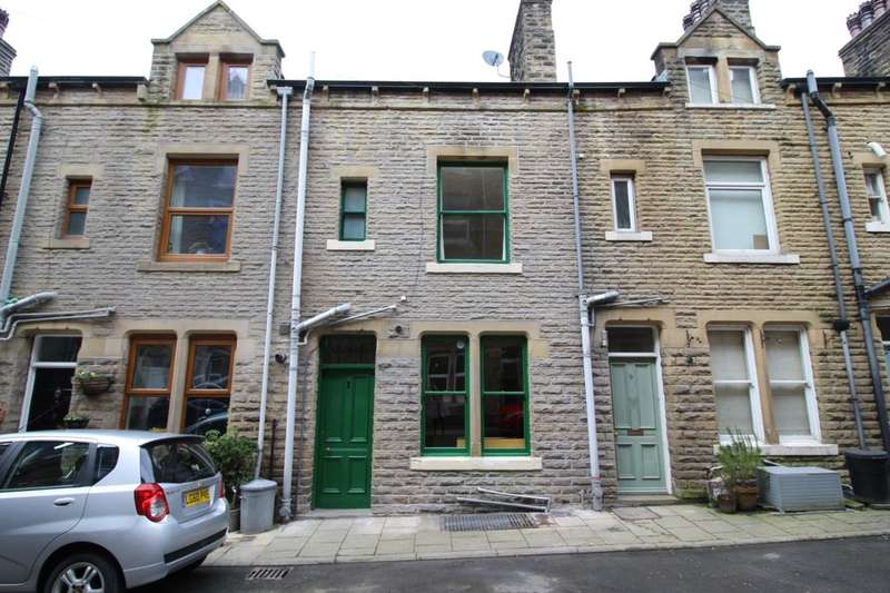 4 Bedrooms Terraced House for sale in Edward Street, Hebden Bridge, HX7