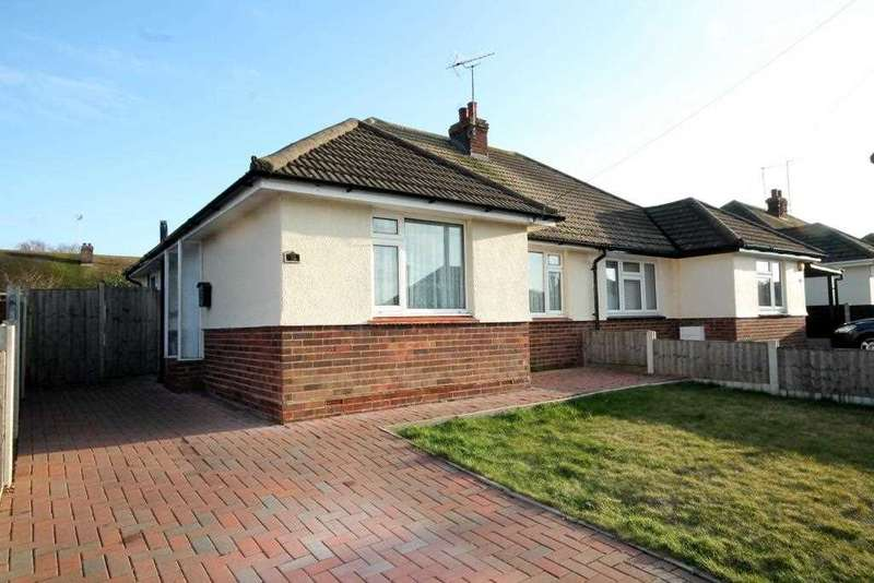 3 Bedrooms Bungalow for sale in Brentwood Road, Holland on Sea