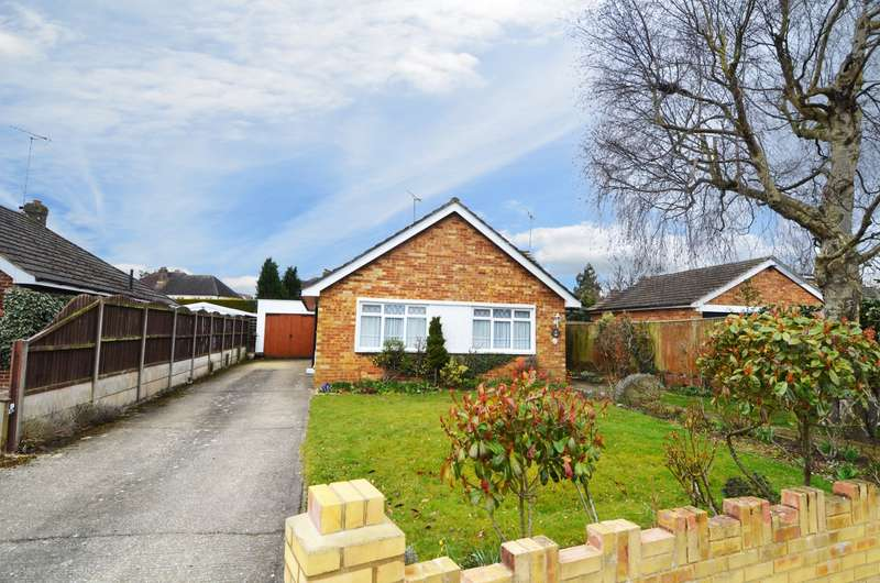 3 Bedrooms Detached Bungalow for sale in Beckings Way, Flackwell Heath, HP10