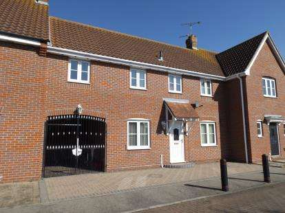 3 Bedrooms Link Detached House for sale in Clacton-on-Sea, Essex