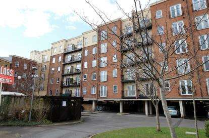 2 Bedrooms Flat for sale in Squires Court, Bedminster Parade, Bedminster, Bristol
