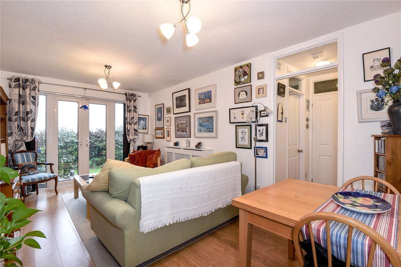 1 Bedroom Maisonette Flat for sale in Chestwood Grove, Hillingdon, Middlesex, UB10