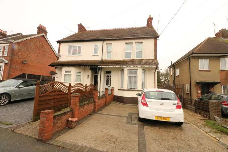 2 Bedrooms Ground Flat for sale in Hart Road, Thundersley