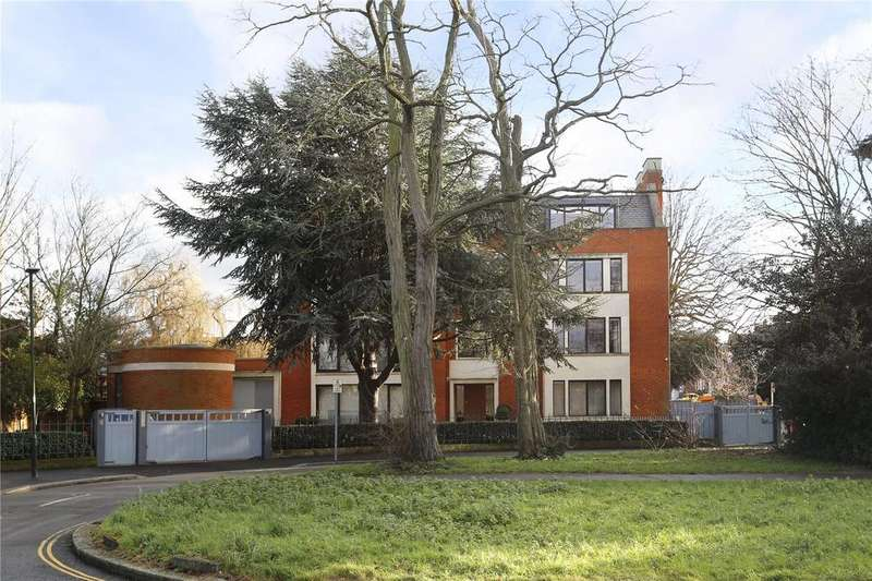 2 Bedrooms Flat for sale in Southside Common, Wimbledon, London, SW19