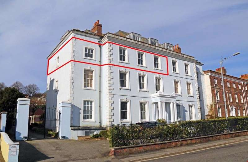 4 Bedrooms Apartment Flat for sale in Bank Place, Falmouth, Cornwall, TR11