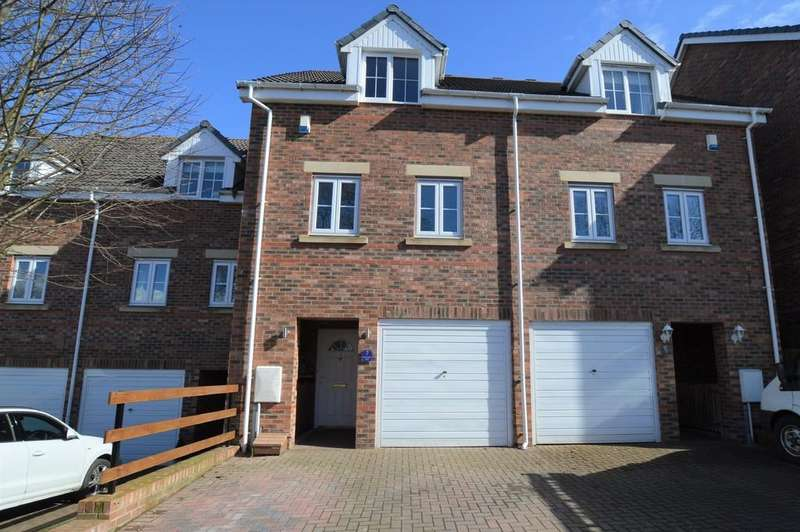 3 Bedrooms Town House for sale in Old Eltringham Ct, Prudhoe