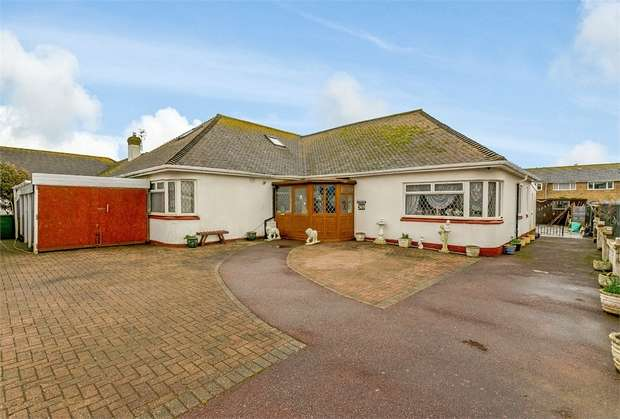 6 Bedrooms Detached Bungalow for sale in South Coast Road, Telscombe Cliffs, Peacehaven, East Sussex