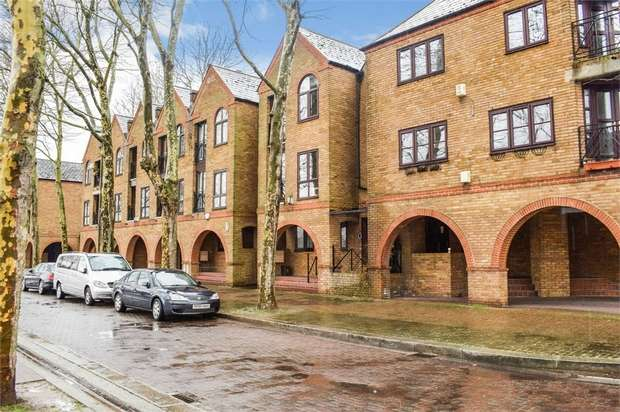4 Bedrooms Terraced House for sale in Brunswick Quay, London