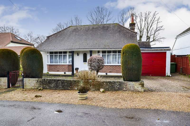 2 Bedrooms Detached Bungalow for sale in The Byeway, Bexhill On Sea, TN39