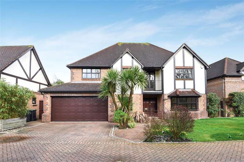 5 Bedrooms Detached House for sale in Gainsborough Place, Chigwell, Essex, IG7