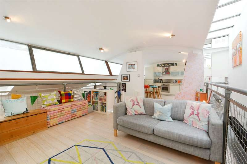 2 Bedrooms Flat for sale in Connor Street, South Hackney, E9