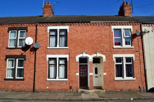 3 Bedrooms Terraced House for sale in Southampton Road, Far Cotton, Northampton NN4 8DY