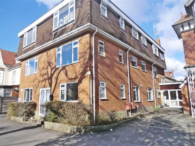 2 Bedrooms Flat for sale in Lyttleton Lodge, Bournemouth, Dorset