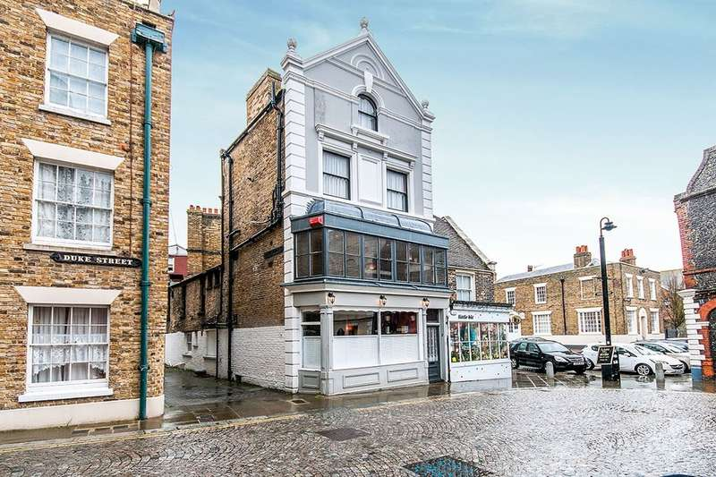 4 Bedrooms Semi Detached House for sale in Duke Street, Margate, CT9