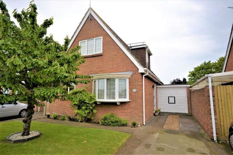 3 Bedrooms Detached House for sale in Cedar Crescent, St Mary's Bay