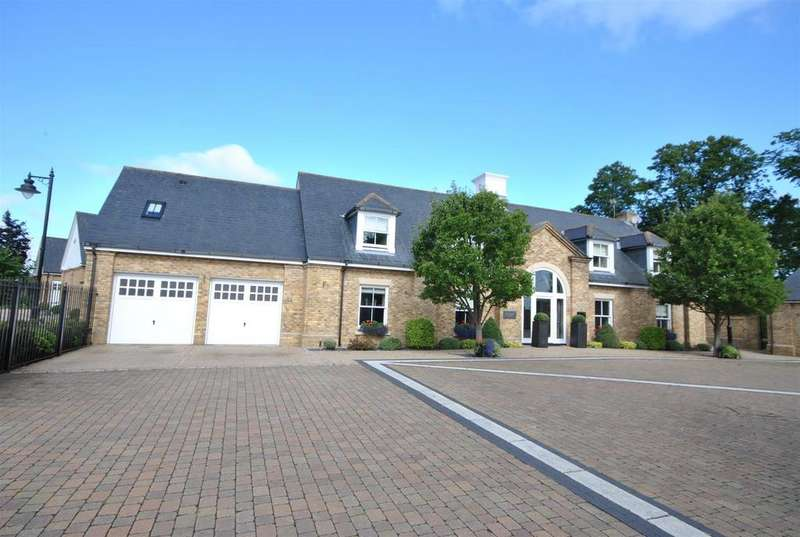 4 Bedrooms Detached House for sale in Orchid Close, Goffs Oak