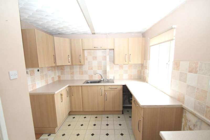2 Bedrooms Flat for sale in St Barbara Way, Hilsea, Portsmouth PO2