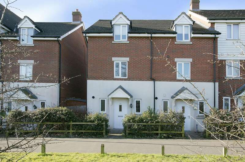 4 Bedrooms Town House for sale in Whistlefish Court, Norwich