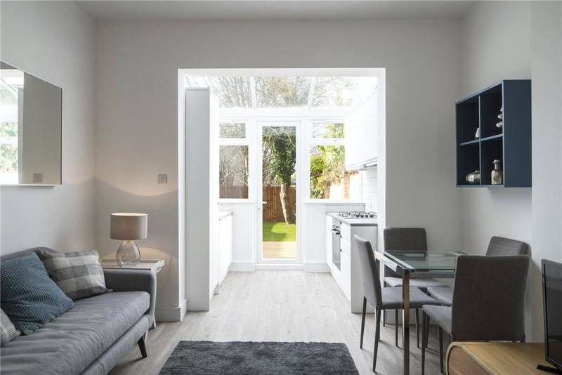 2 Bedrooms Apartment Flat for sale in Robson Avenue, Willesden, NW10