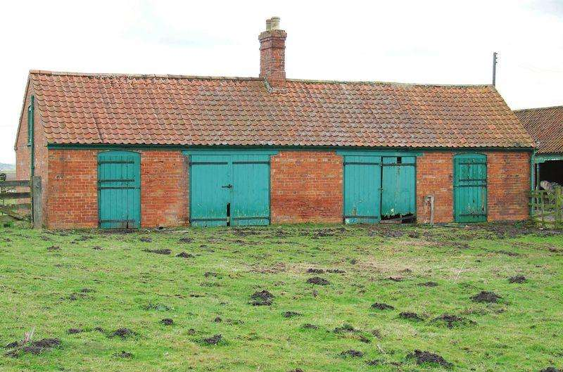 2 Bedrooms Barn Conversion Character Property for sale in Main Street, Horsington