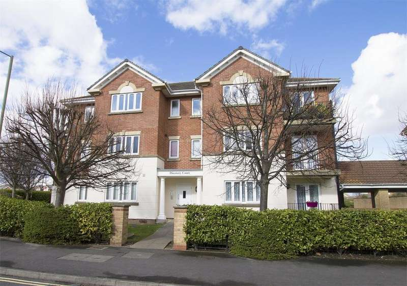 2 Bedrooms Flat for sale in Discovery Court, Heritage Way, Gosport, Hampshire