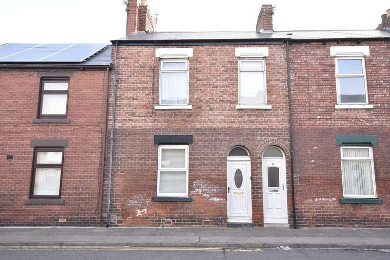 2 Bedrooms Ground Flat for sale in Gladstone Street, Roker