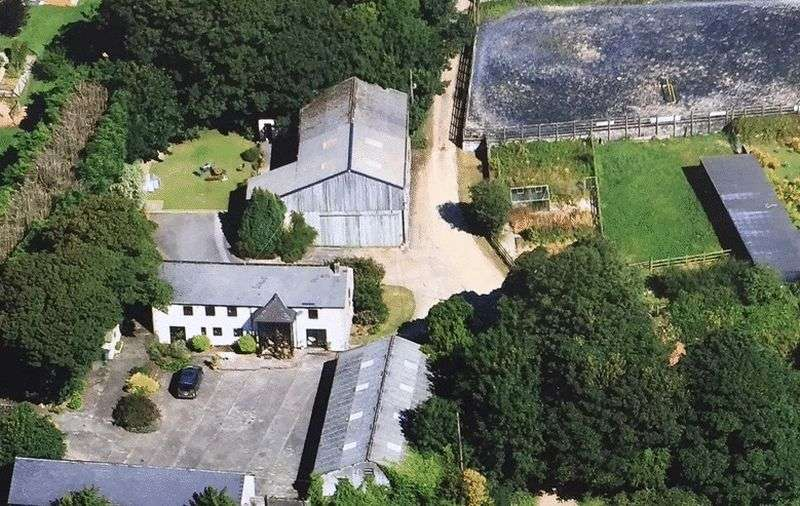 5 Bedrooms Property for sale in Tresithick, Truro
