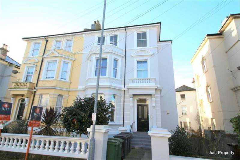 2 Bedrooms Apartment Flat for sale in Pevensey Road, St Leonards On Sea
