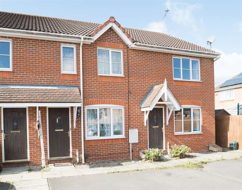 2 Bedrooms Terraced House for sale in Chapman Close, Aylesbury