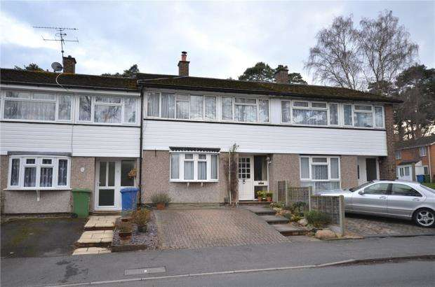 3 Bedrooms Terraced House for sale in Segsbury Grove, Bracknell, Berkshire