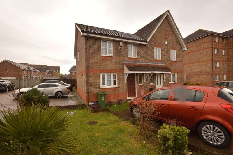 3 Bedrooms Semi Detached House for sale in Troon Close, North Thamesmead, London, SE28