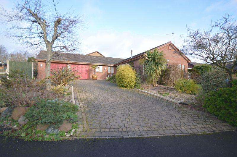 3 Bedrooms Detached Bungalow for sale in Troon Way, Telford