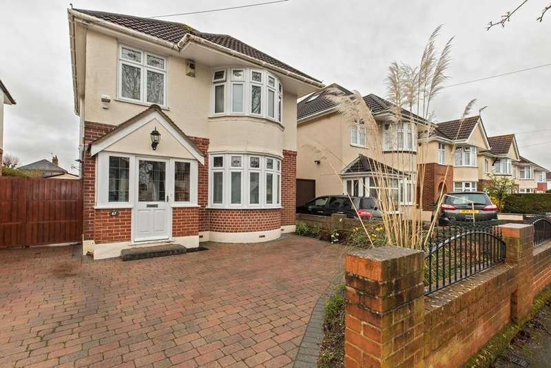 3 Bedrooms Detached House for sale in Broughton Avenue, Redhill