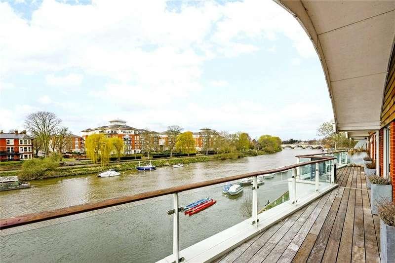 3 Bedrooms Penthouse Flat for rent in Petersham Road, Richmond, Surrey, TW10