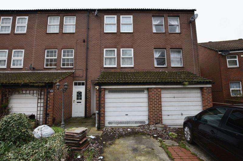 3 Bedrooms Terraced House for sale in Fieldfare Road, North Thamesmead, SE28 8HS