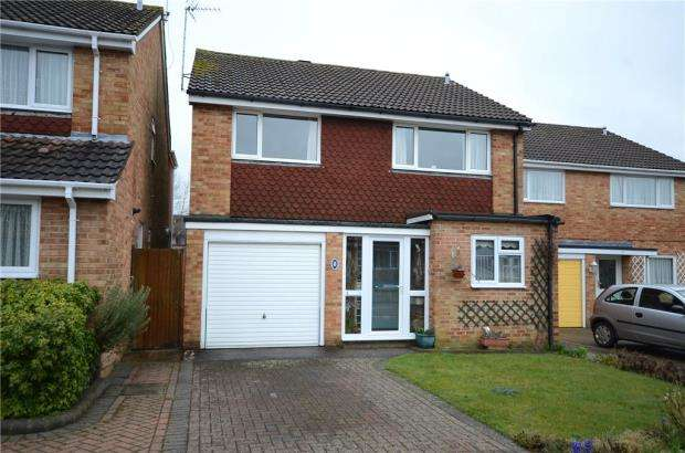 4 Bedrooms Detached House for sale in Crutchley Road, Wokingham, Berkshire