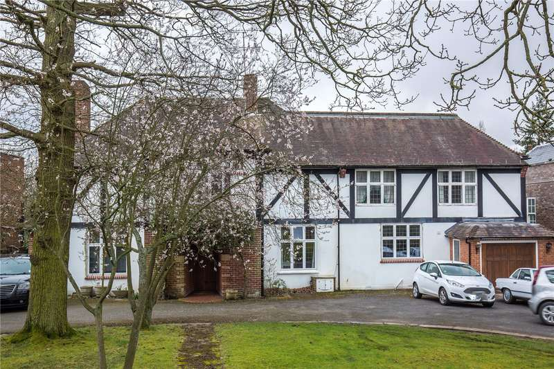 5 Bedrooms Detached House for sale in Cockfosters Road, Hadley Wood, Hertfordshire, EN4