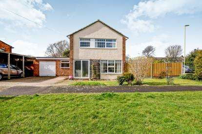 3 Bedrooms Detached House for sale in Gosport, Hampshire, .