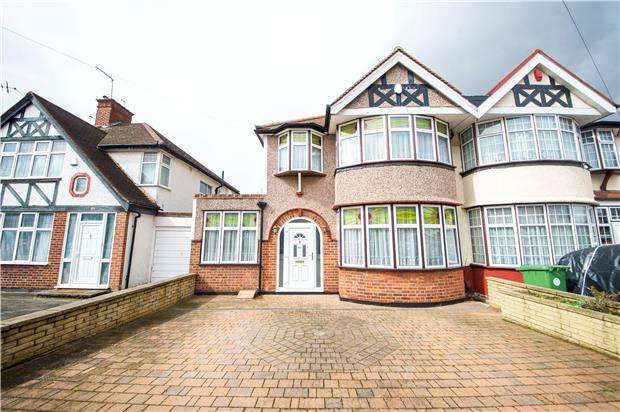 4 Bedrooms Semi Detached House for sale in Crundale Avenue, KINGSBURY, NW9 9PS