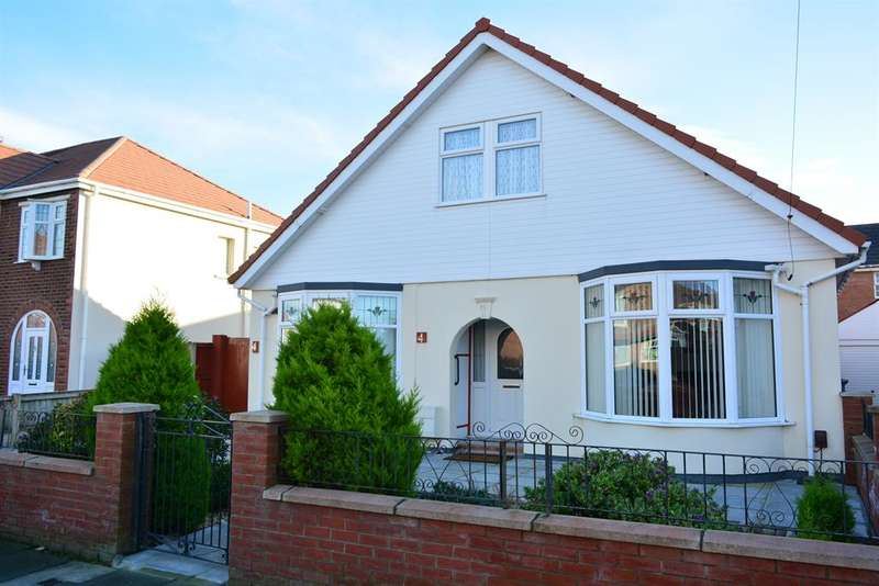 4 Bedrooms Detached Bungalow for sale in Roseway, South Shore, Blackpool, FY4 2PW
